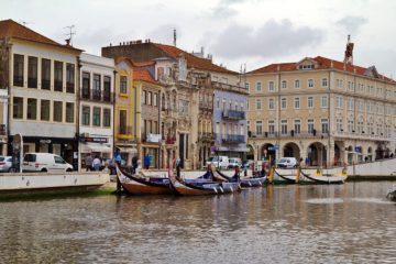 Portugal: Hotel  4* (1 Night)with breakfast included for 2  Euros p/p