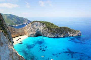 Zakynthos: Long Weekend: Non-stop round-trip flight + Hotel 3* (3 Nights) from Italy for 40 Euros p/p