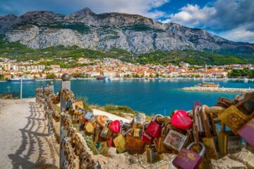 Dalmatia (Croatia): Hotel  4* (1 Night) with breakfast included for 10 Euros p/p
