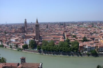 Know better the city of Verona (Italy) by Virtual tour