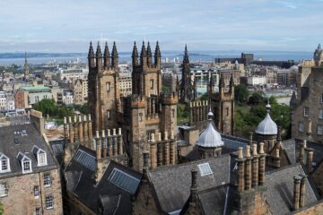 Edinburgh: Non-stop round-trip flight from Denmark for 20 Euros