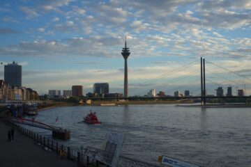 Know better the city of Dusseldorf (Germany) by Virtual Tour