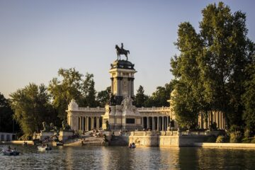 Madrid  Non-stop round-trip flight from France for 20 Euros
