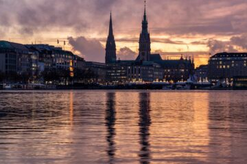 Know better the city of Hamburg (Germany) by Virtual tour