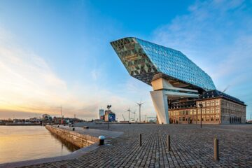 Know better the city of Antwerp (Belgium) by Virtual tour