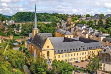 Know better the small country of Luxembourg by Virtual tour