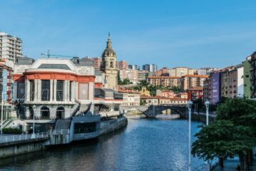 Know better the city of Bilbao (Spain) by Virtual tour