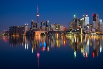 Know better the city of Toronto (Canada) by Virtual tour